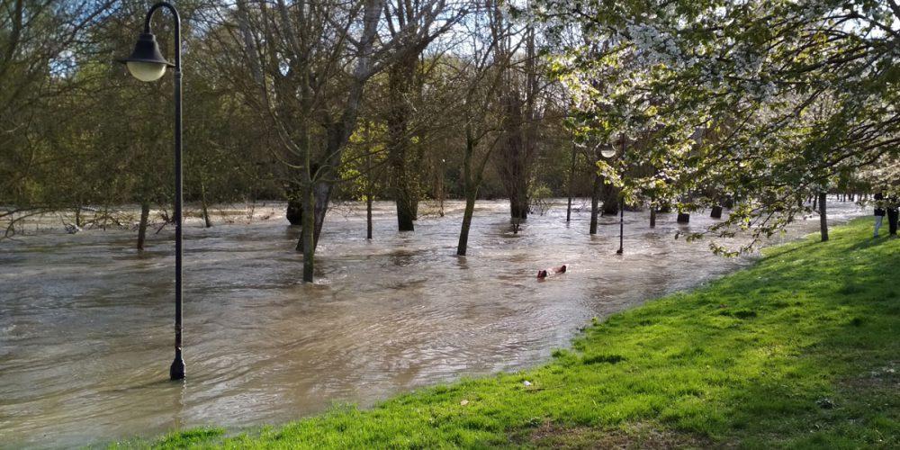 Prepararse para una amenaza de inundación