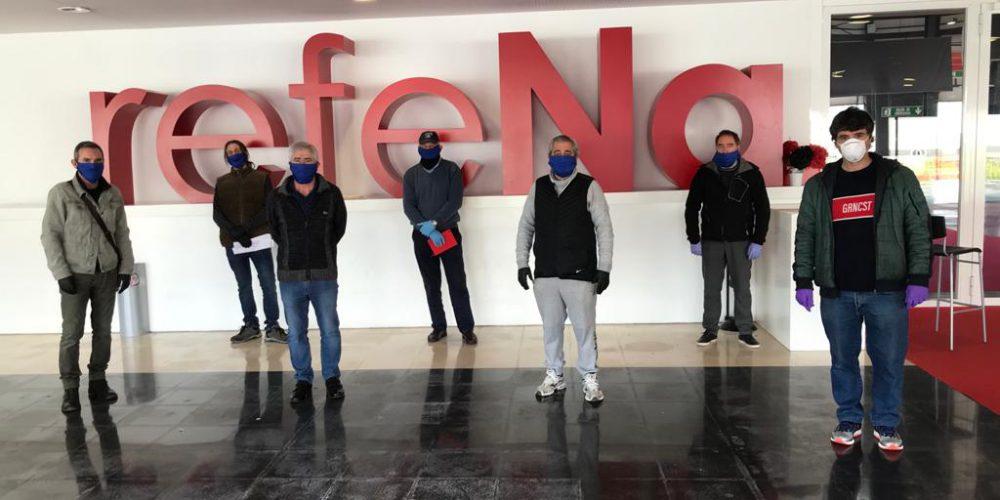 El Colegio de Ingenieros y la Fundaciónponen en marcha con voluntariosla fábrica de batas sanitarias en REFENA