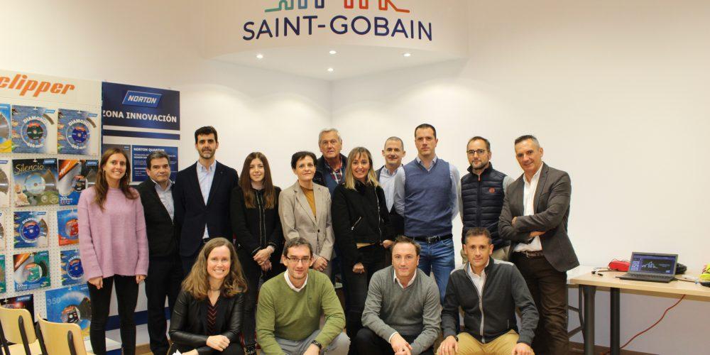 Directivos navarros visitan Saint-Gobain Abrasivos