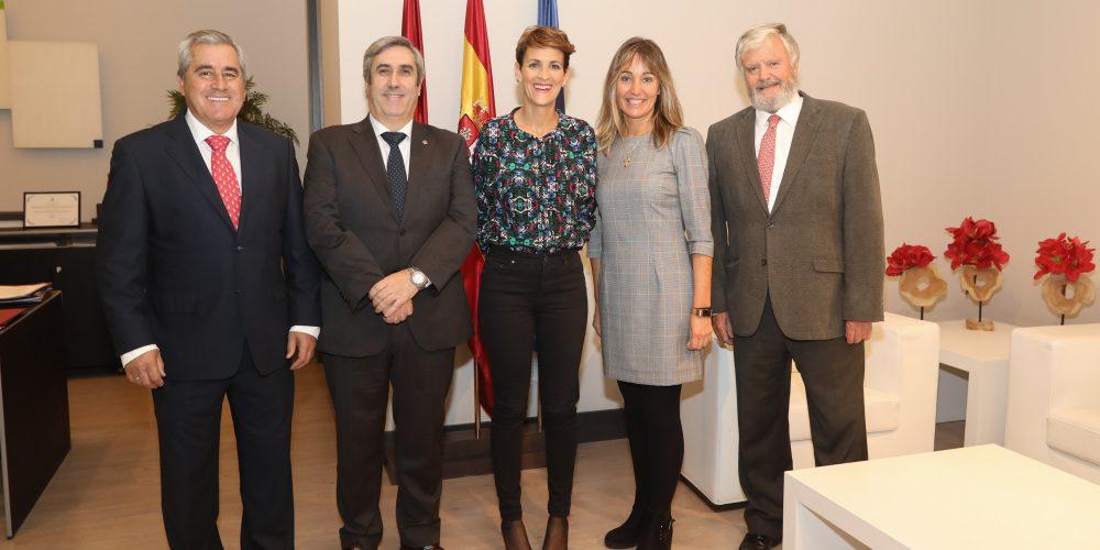 Representantes del COIINA y la Fundación Industrial Navarra se reúnen con María Chivite